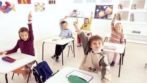 """中学校长:从女儿4岁开始,我就""""听""""她的!-封面"""