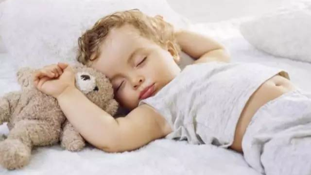 孩子的睡姿中,竟藏着他的性格和未来!第二种千万要注意!-封面