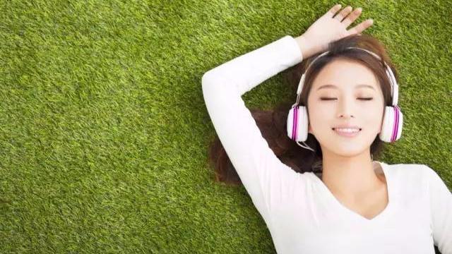 清华自习室循环播放的英语歌,暑假听歌学英语就靠这些了!-封面