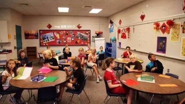 从细节看中美教育的差距: 看看美国小学教室墙上贴了什么-封面